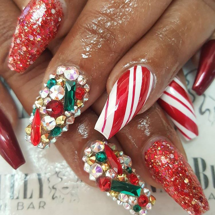 Christmas festive nails by nailbully | Naomi 'N Doll