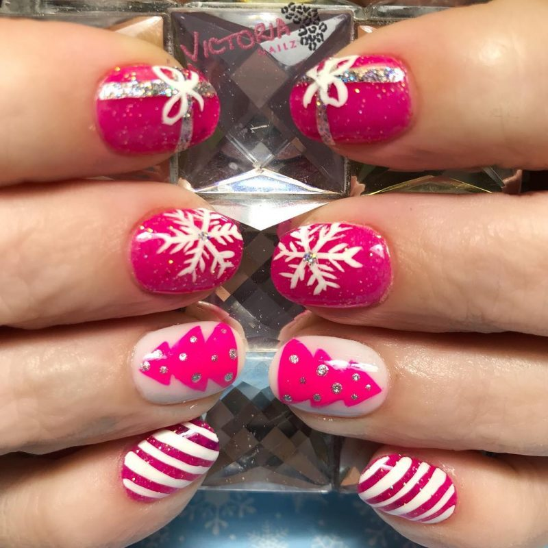 Pink Christmas Festive nails naomi n doll