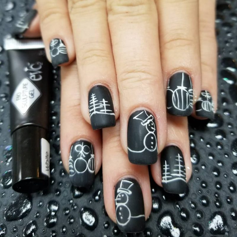 black and white festive nails naomi n doll