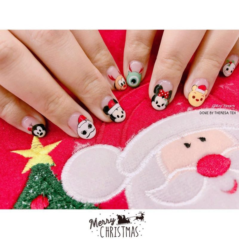 holiday disney festive nails naomi n doll